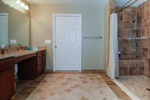 Bathroom Renovation Contractor Wixom MI - Home Improvement | MJR Services - bath2